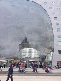 Voorzijde met glazen wand